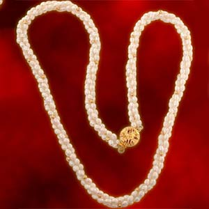 Pearl Necklaces-Golden Pearls