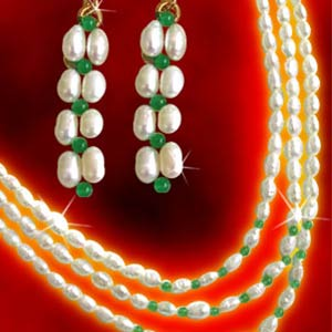Pearl Necklaces-Pakeezah