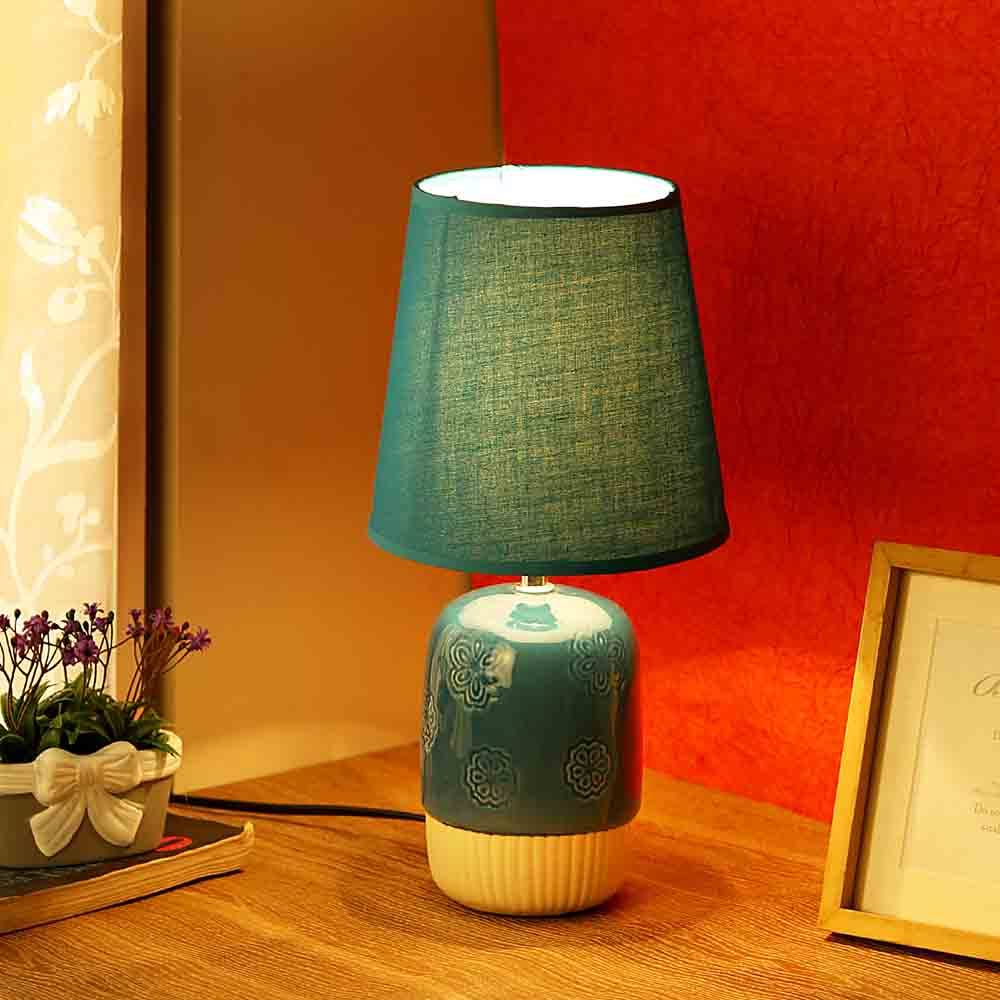 Embossed Blue White Ceramic Table Lamp
