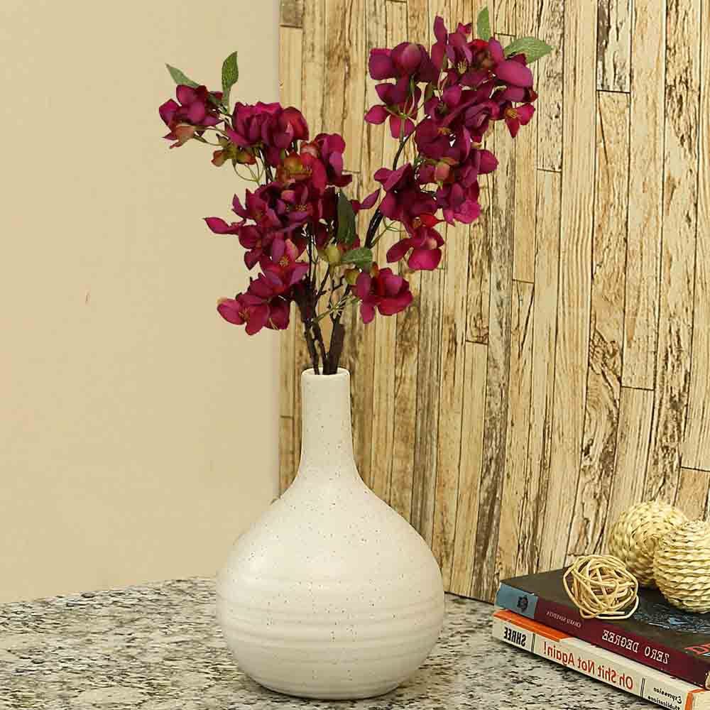Traditional Design White Ceramic Flower Vase