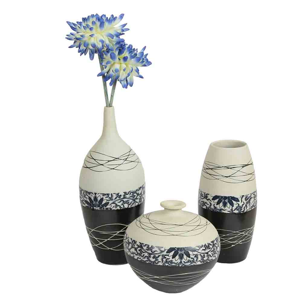 Black & White Ceramic Vases