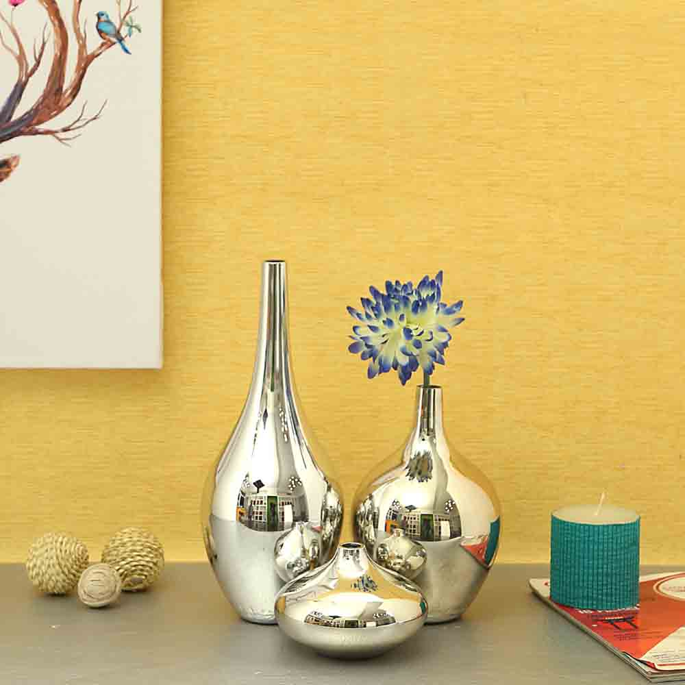 Set of 3 Glass Metallic colour quoted Vases-Silver