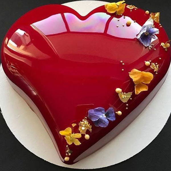 Treat And Tasty 1.5 kg Cake - Delhi Special