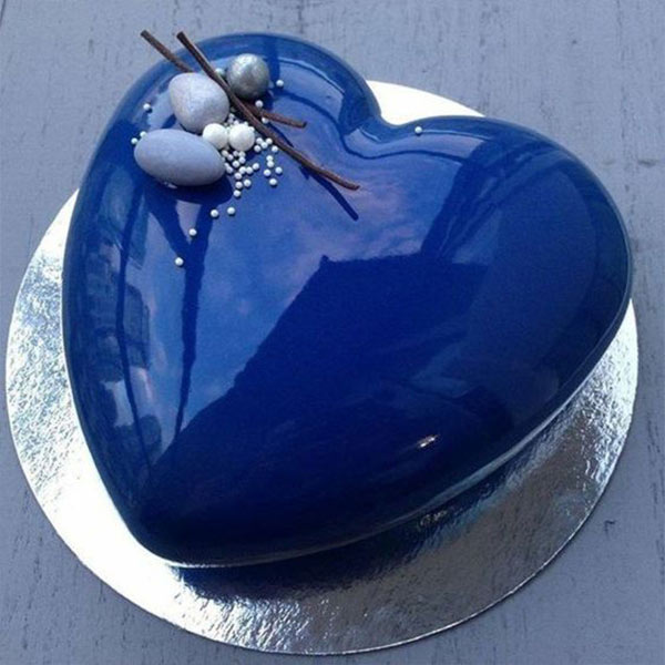 Royal Blue 1 kg Cake