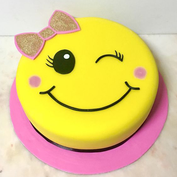 Wink-Wink Emoticon 1 Kg Cake