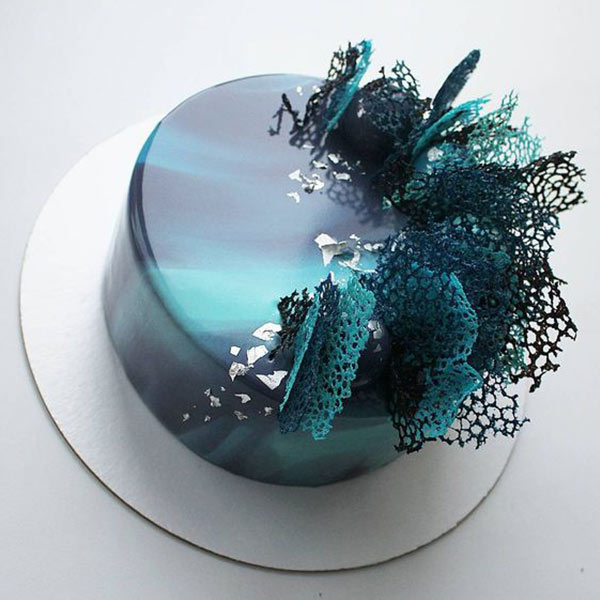 Blue Ombre 1.5 Kg Cake