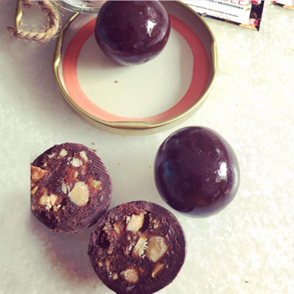 Date Nut Glazed Balls