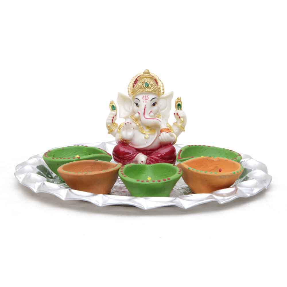 Idols-Ganesha Idol & Candle with Attractive Tray for Decoration