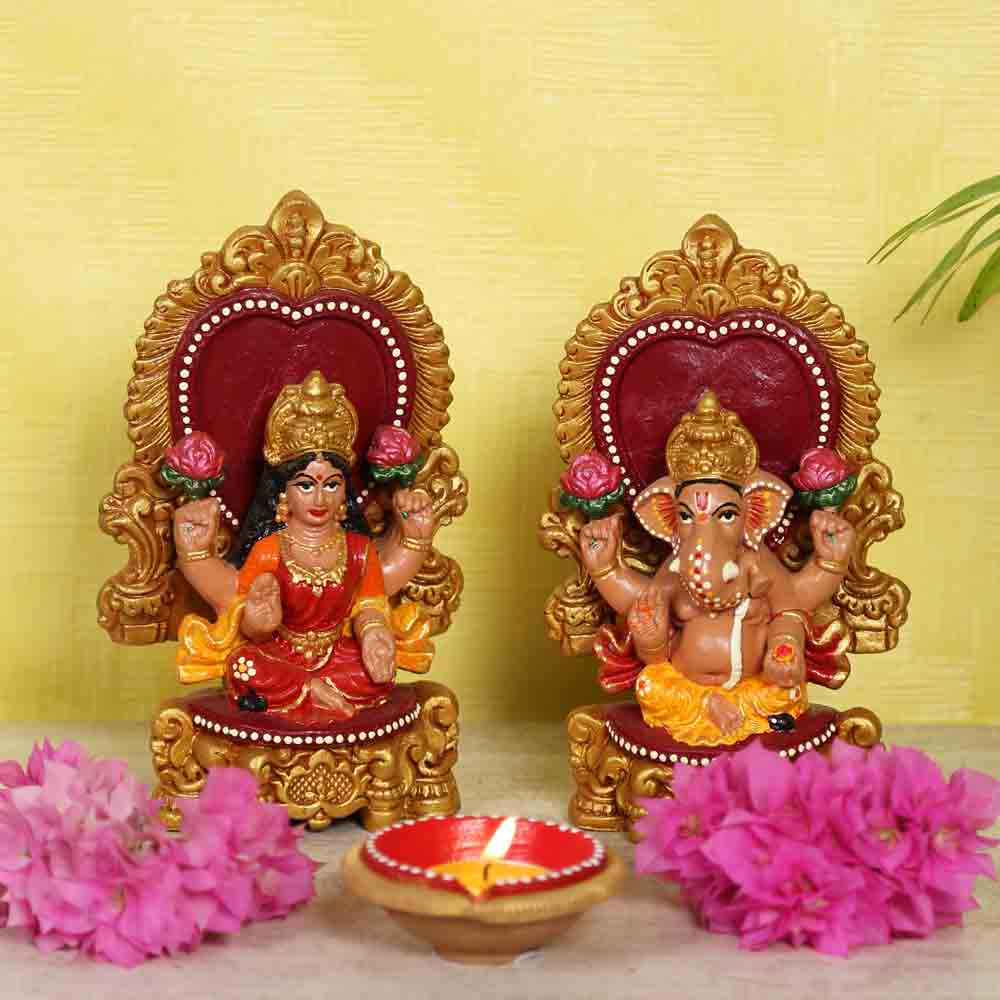 Elegantly handcarved Terracotta Laxmi Ganesh idol set