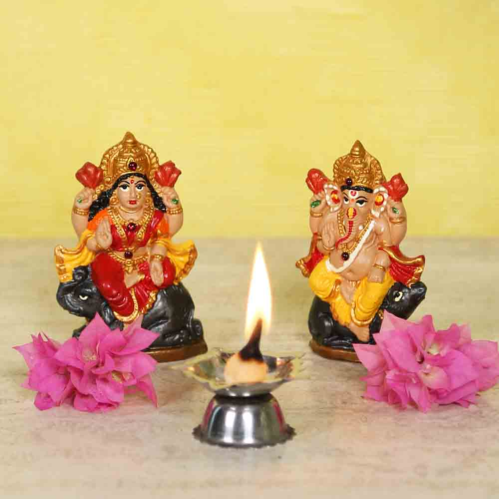 Handpainted Laxmi Ganesh idol set