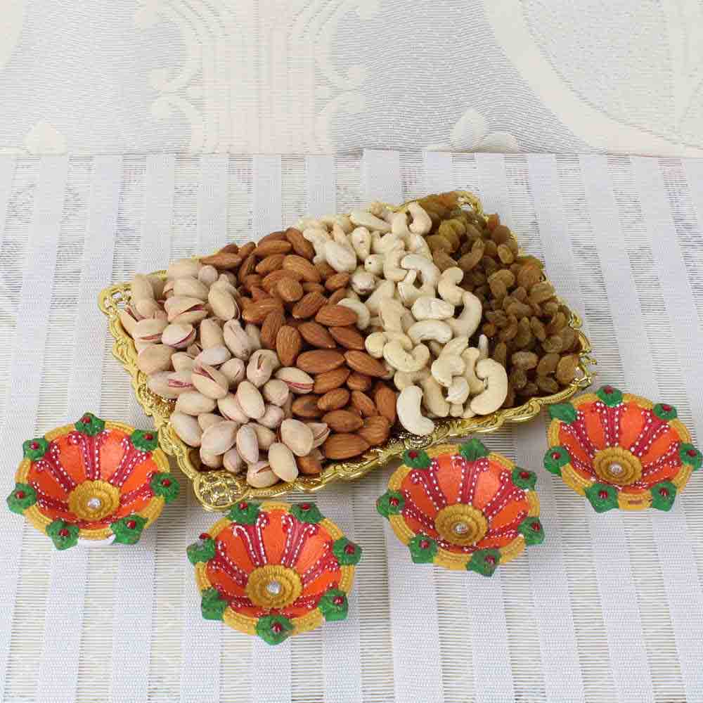 Earthen Diya with Mixed Dry Fruits Tray