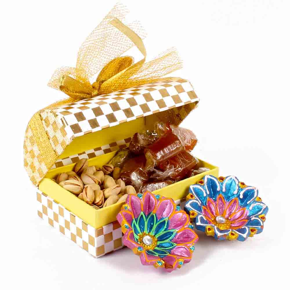 Product Consists : Gold Coin Chocolate (Weight : 112 gms) along with a Treasure Box