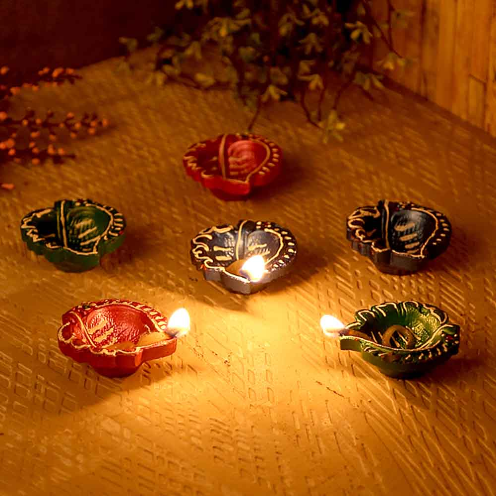 Leaf Design Handpainted Terracotta Diyas-Set Of 6