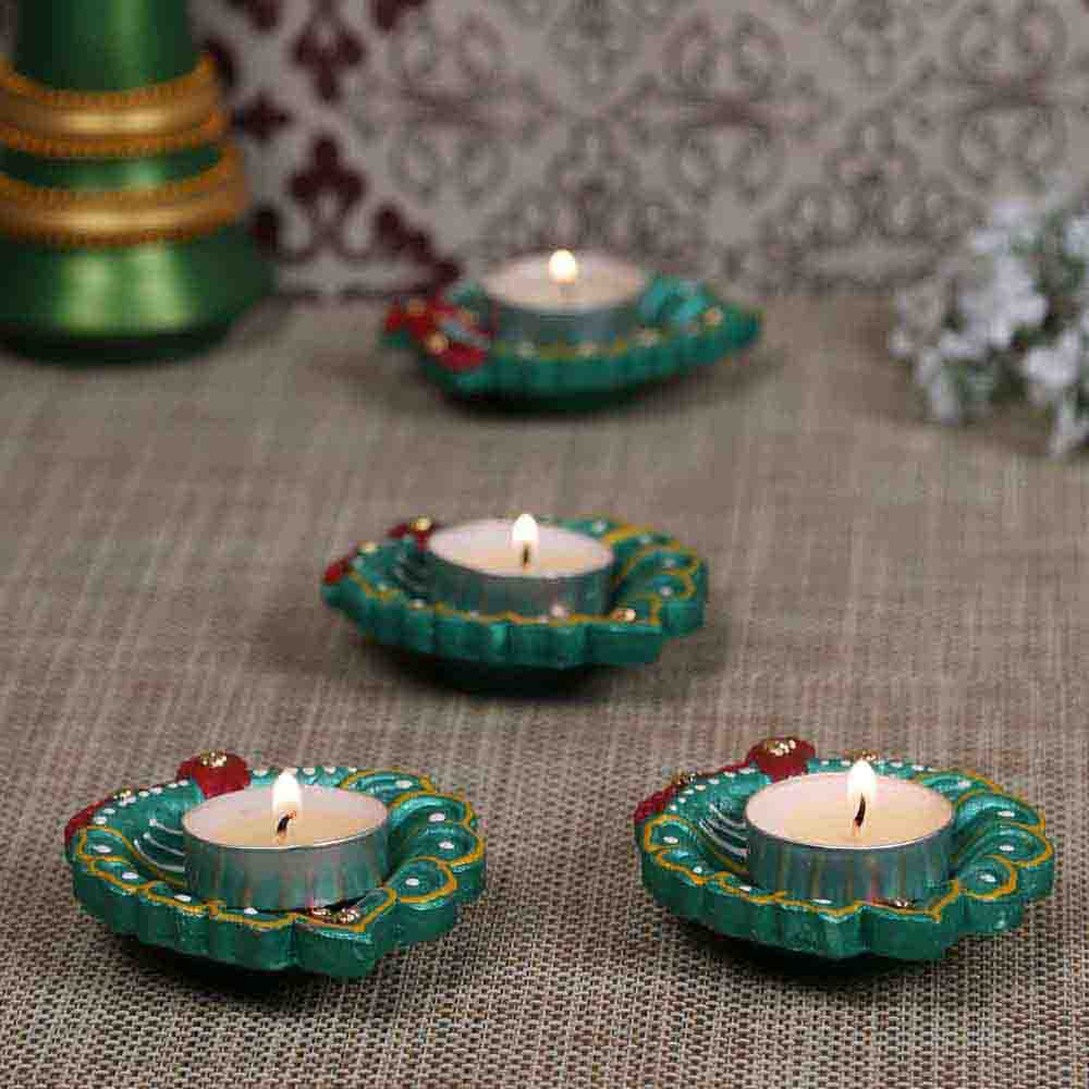Hand painted Leaf Shape Floor Diya Set - set of 4