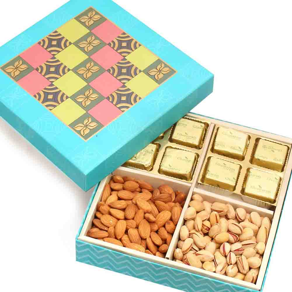 Blue Colour Print 8 Pcs Chocolates Hamper