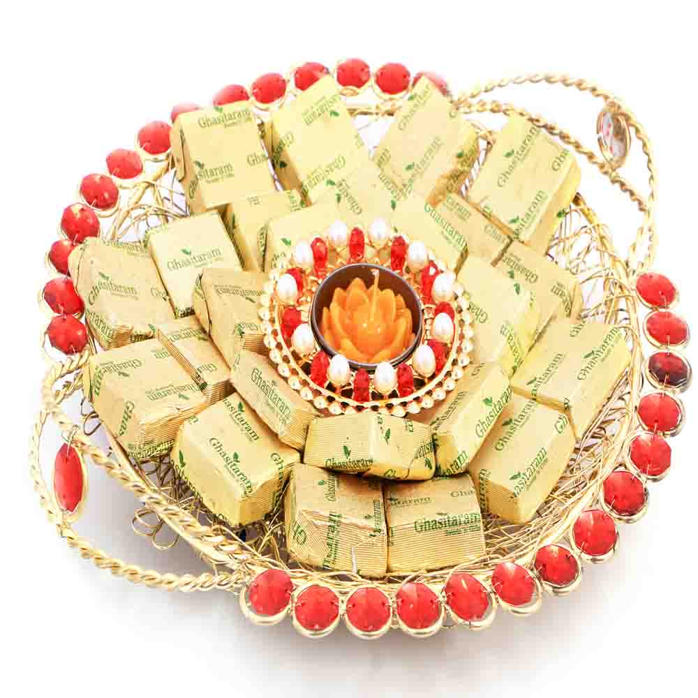 Golden Mesh Thali with T- Lite and Chocolates