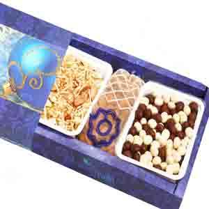 Diwali Hampers-Nutties , Namkeen and Almonds Pouch Hamper