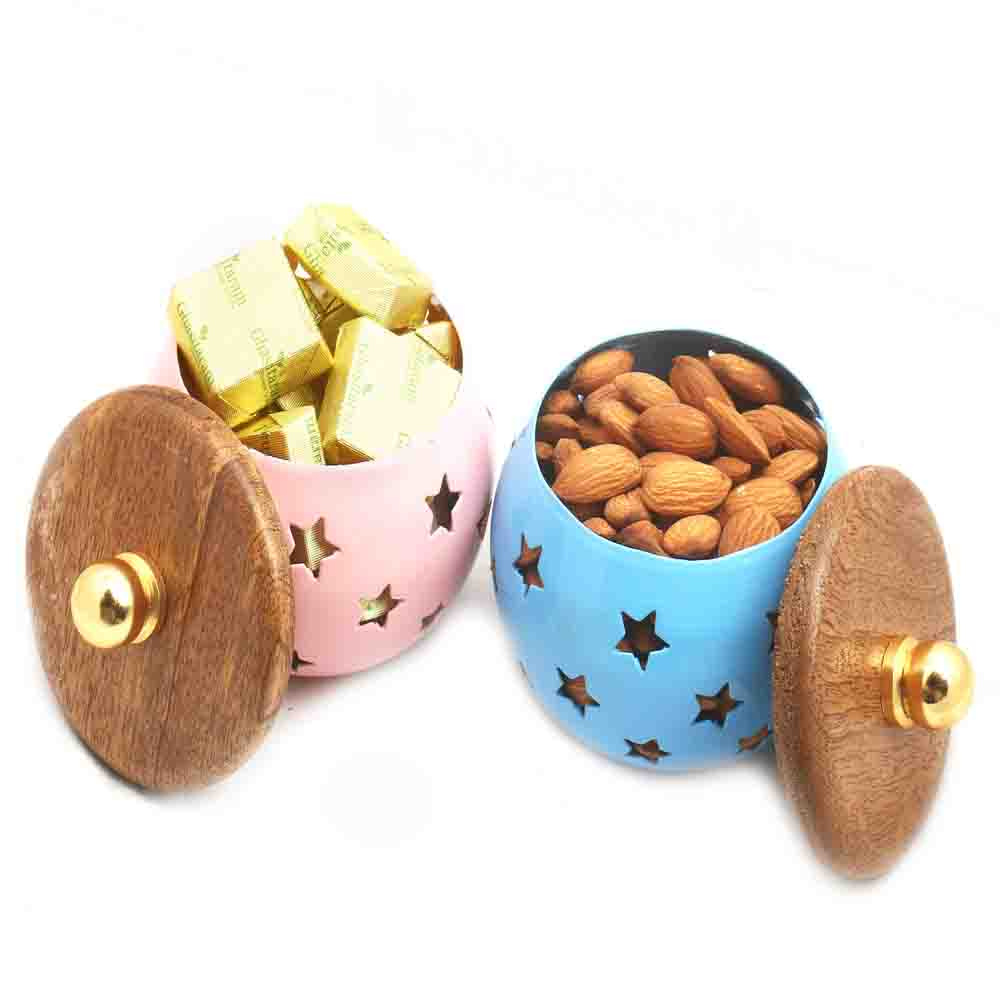 Set of 2 Chocolate and Almonds Metal Jars