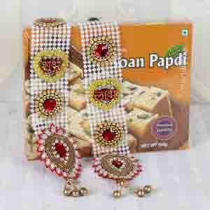 Diwali Hampers-Shubh Labh Wall Hanging and Soan Papdi