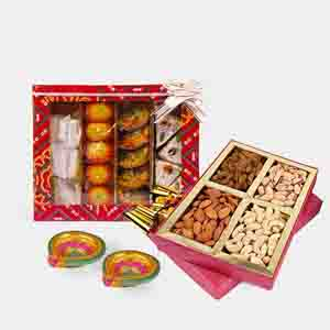 Floral Hampers-Assorted Sweet and Assorted Dry fruits