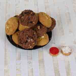 Flowers with Chocolates-Bhai Dooj Express Delivery of Crunchy Cookies