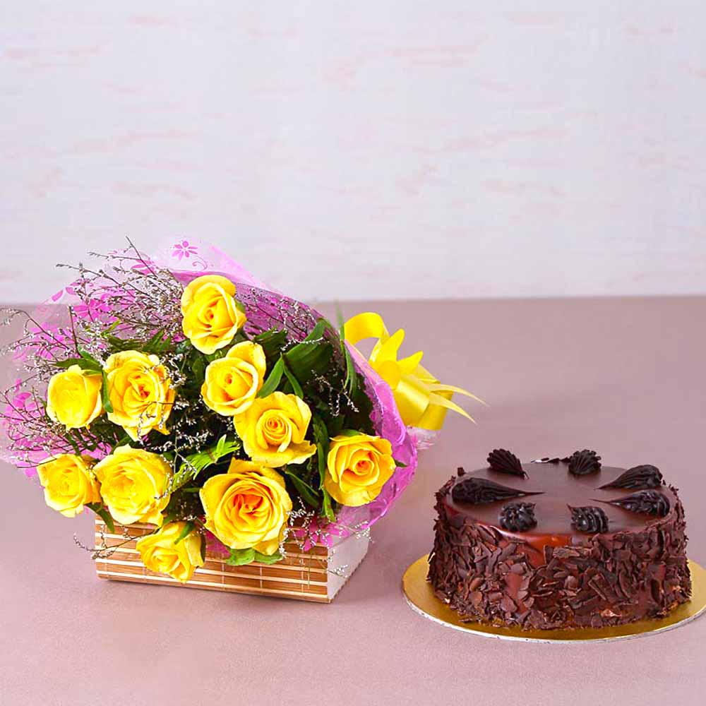 Ten Yellow Roses with Half Kg Choco Chips Chocolate Cake