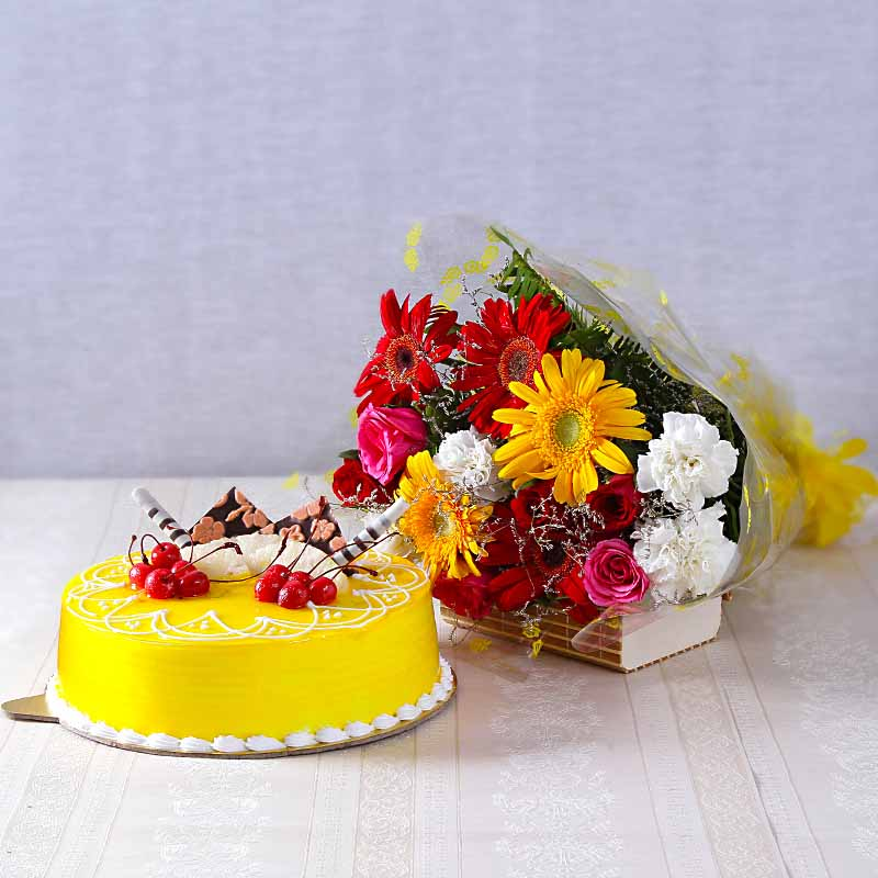 Fifteen Assorted Flowers with Half Kg Pineapple Cake