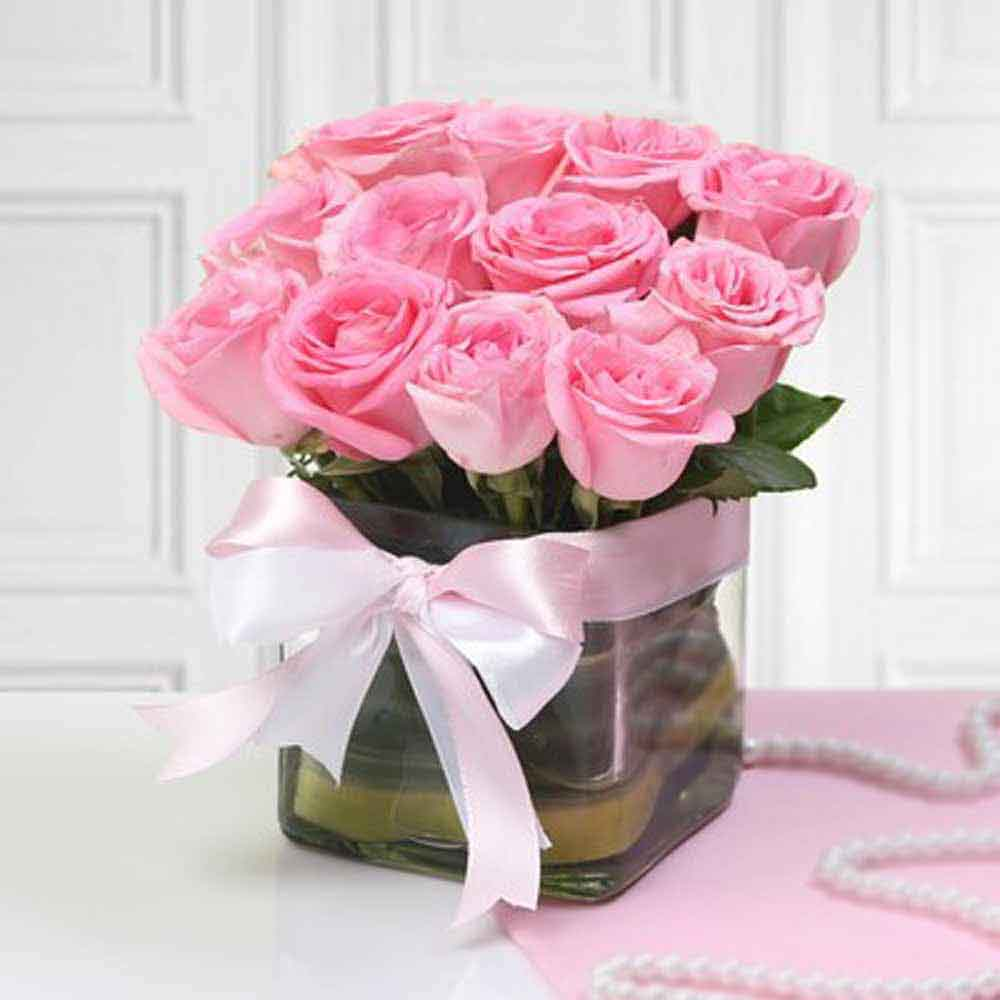 Vase Arrangements-Pink Roses in Vase