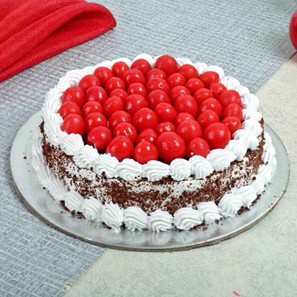 All India Cakes-Special Blackforest Cake Half kg