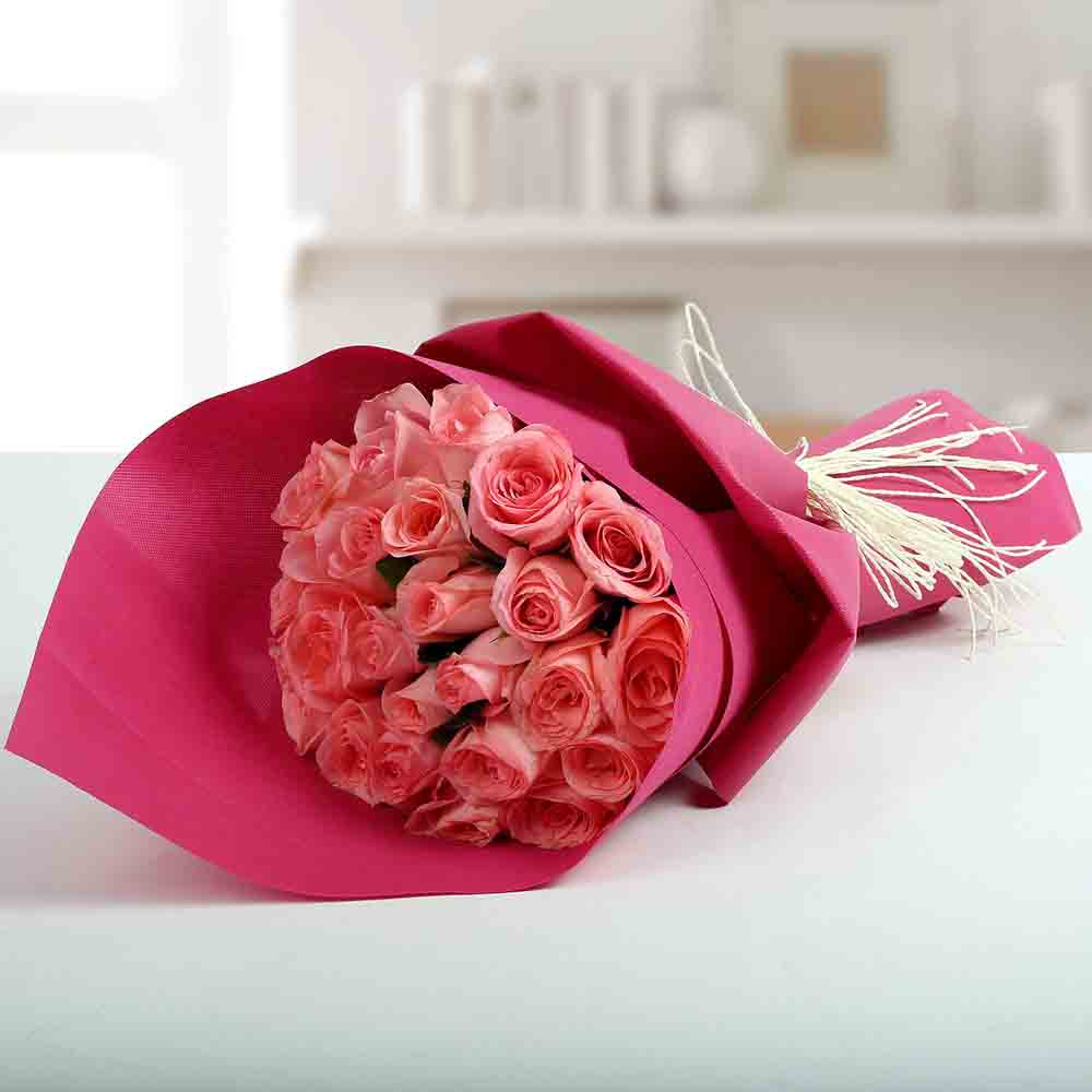 Cute Pink Roses Bunch