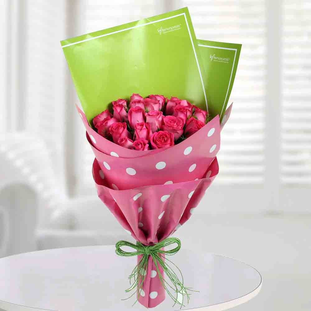 Pretty Pink Roses Bunch