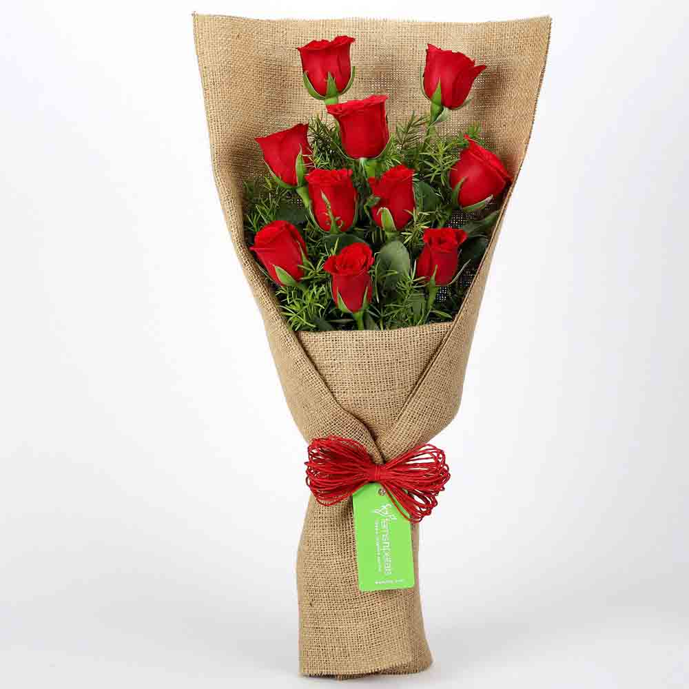 Jute Wrapped 10 Red Roses Bouquet