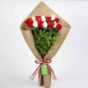 Designer Arrangements-Red & White Roses in Jute Wrapping
