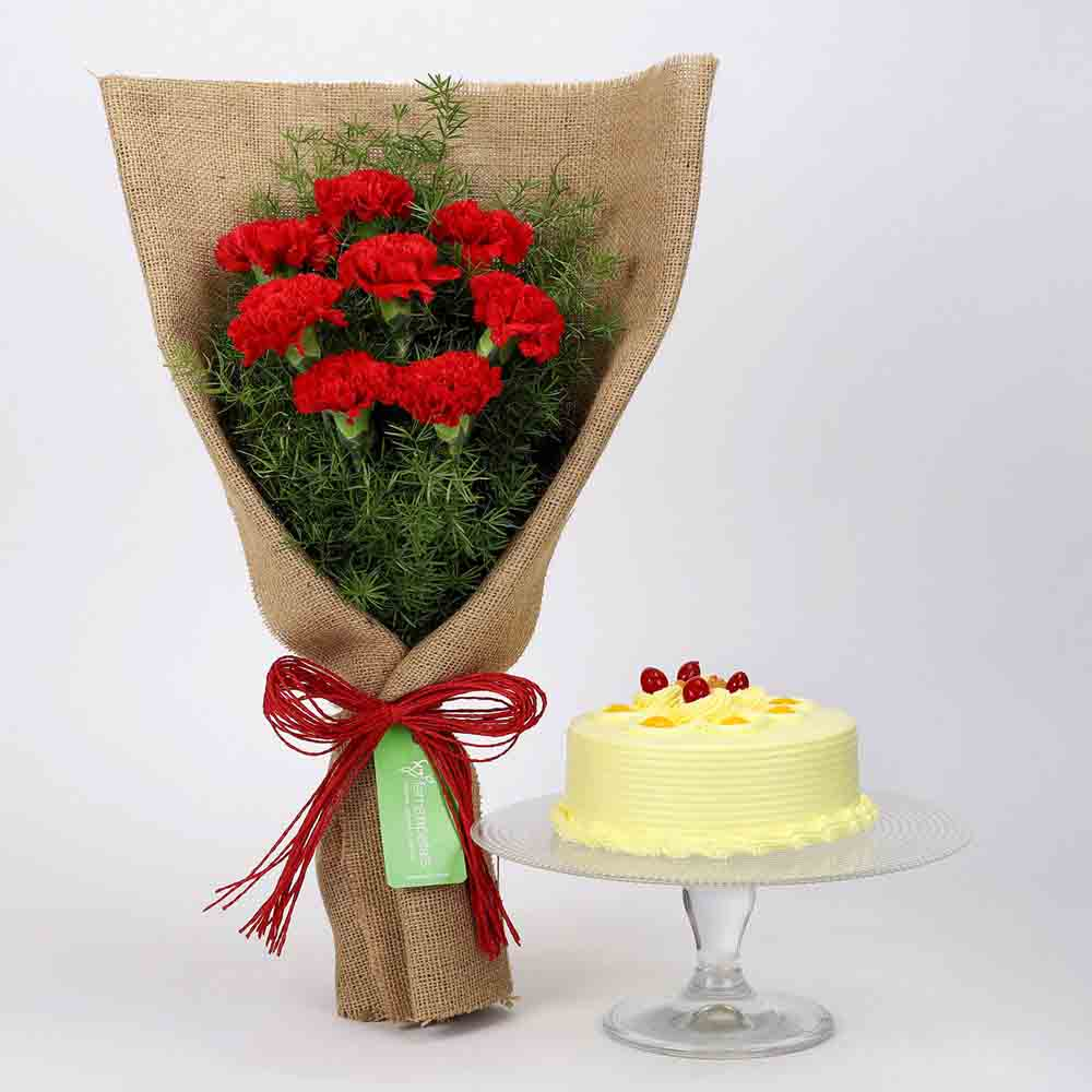 8 Red Carnations & Butterscotch Cake