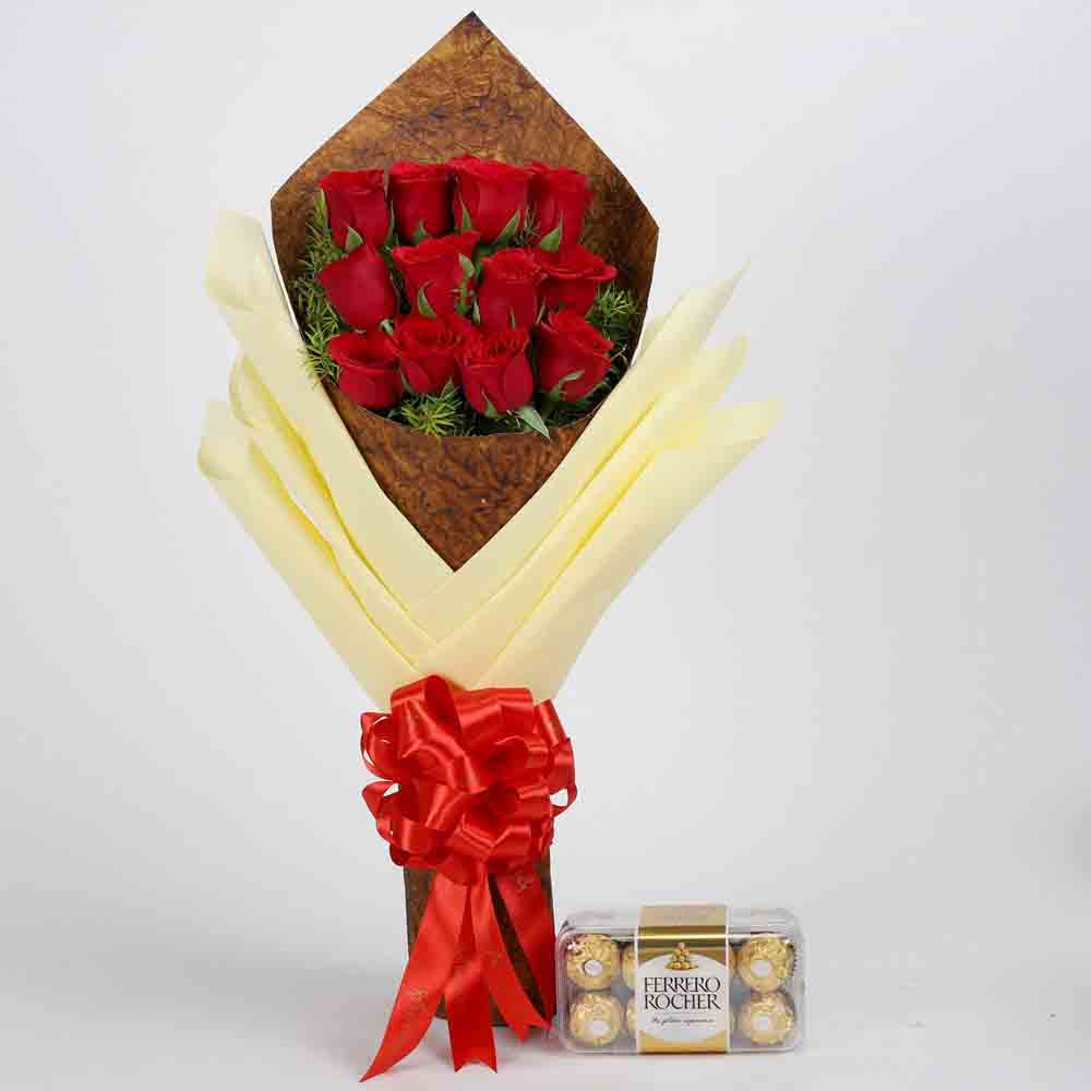 Bouquet of 12 Red Roses & Ferrero Rocher