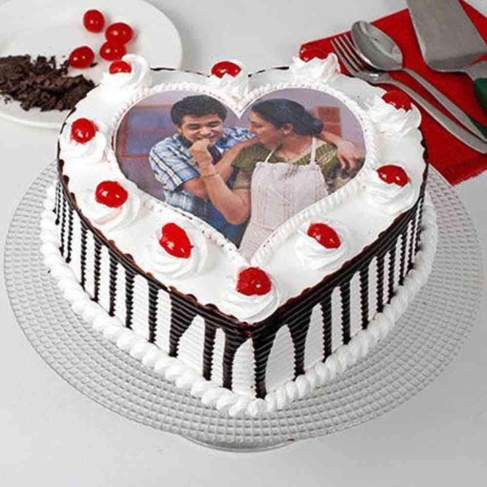 Heart Shaped Photo Cake For Mom 1kg eggless