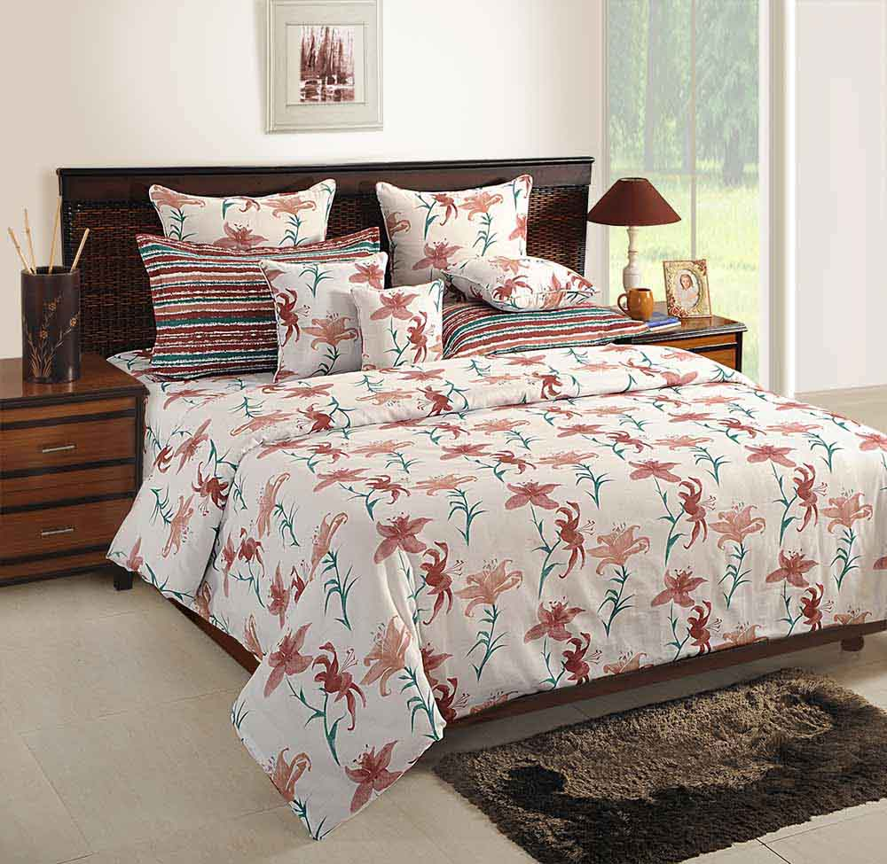 Bedsheets-Swayam White and Peach Colour Floral Bed Sheet with Pillow Covers