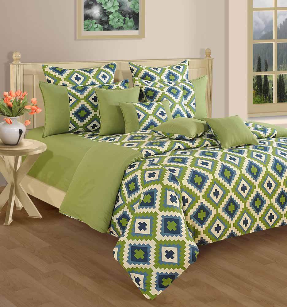 Swayam Green and Purple Colour Geometrical Pattern Bed Sheet with Pillow Covers