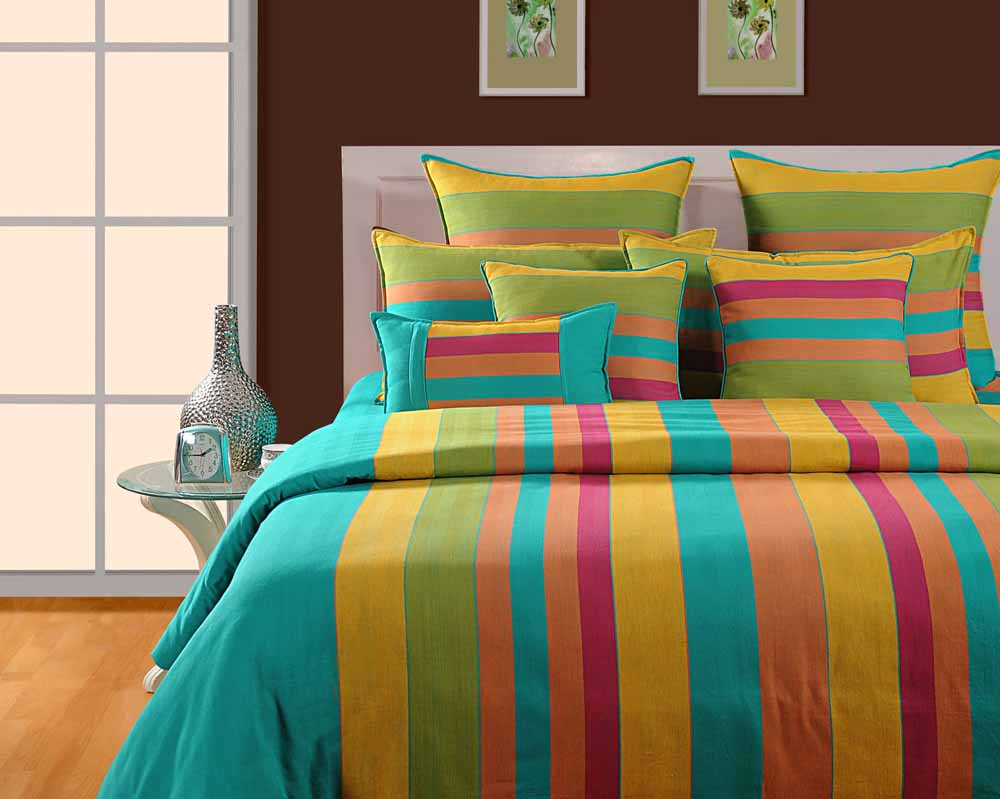 Swayam Green and Yellow Colour Stripes Bed Sheet with Pillow Covers
