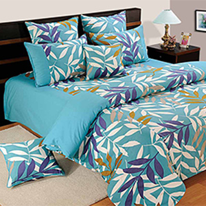 Swayam Turquoise and Blue Colour Leaf Pattern Bed Sheet with Pillow Covers