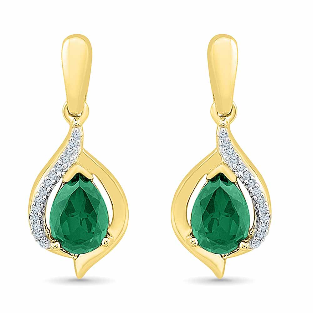 Lovely Emerald Ear Hangings