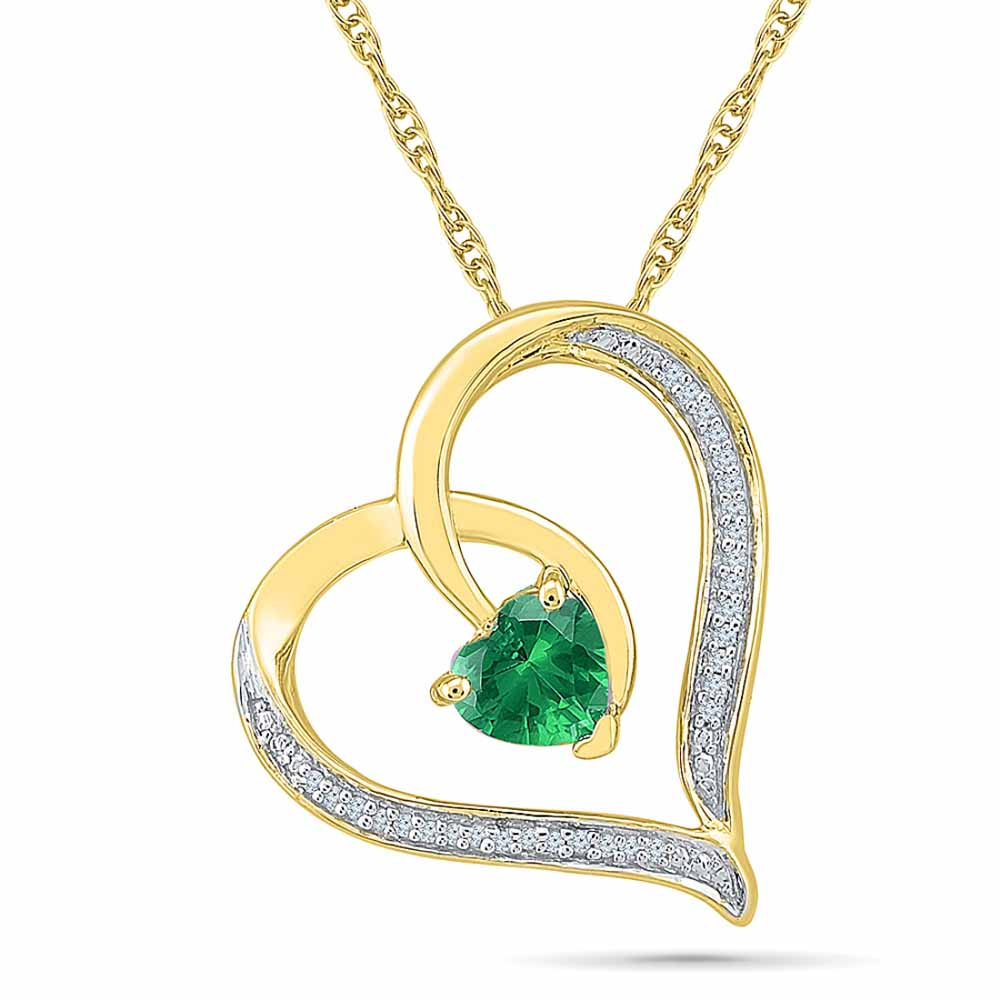 Showy Emerald Pendant