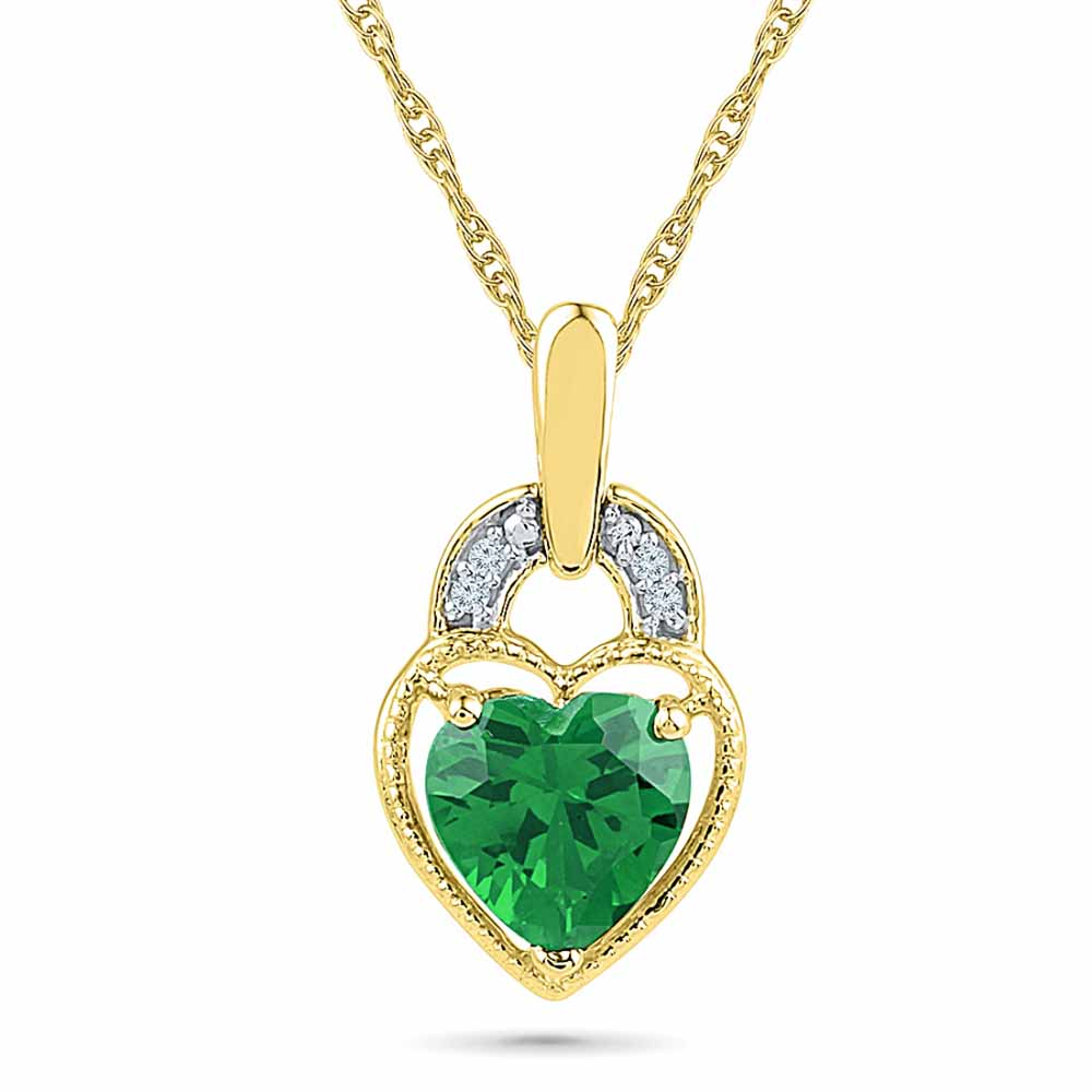 Mellow Diamond Emerald Pendant