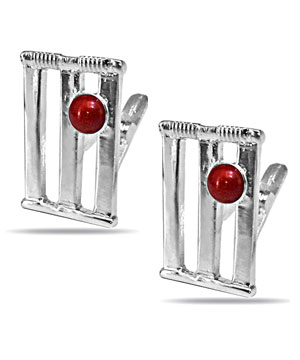 Cricket Stumps & Ball Cufflinks in Silver