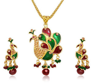 Beautiful Peacock Shaped Pendant & Earrings Set