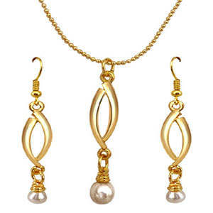 Gold Plated Sets-Gold Plated Pendant & Earrings Set