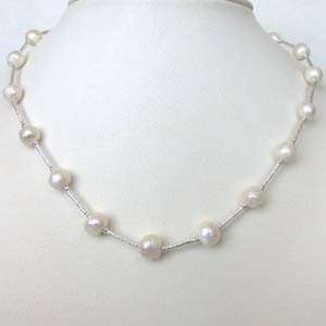 Pearl Necklaces-Single Line White Pearl Necklace