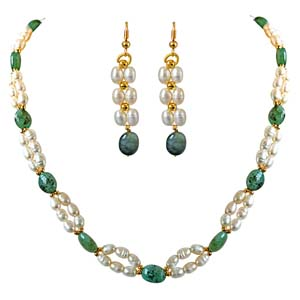 Pearl Sets-Natural Oval Emerald & Necklace & Earrings Set