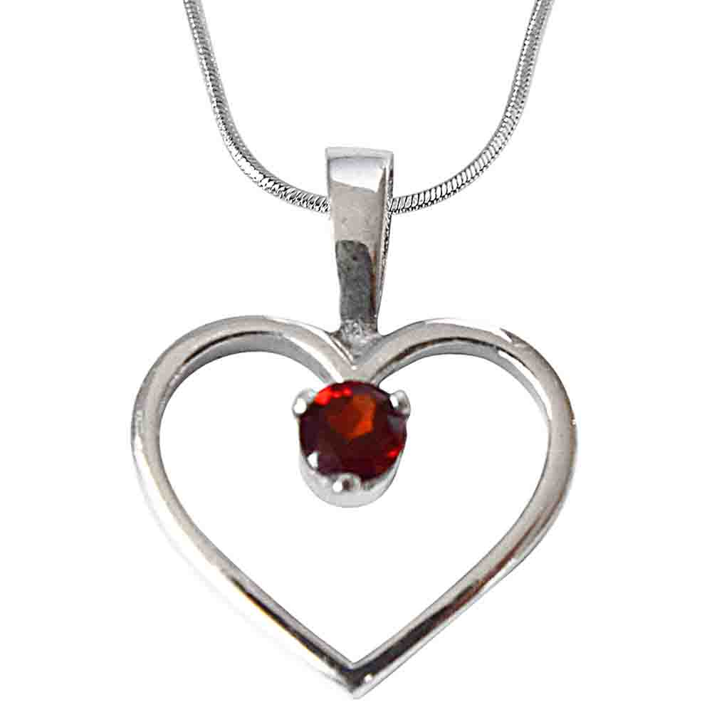 Red Round Garnet in 925 Sterling Silver Pendant