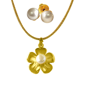 Pearl Sets-Flower shaped Pearl & Gold Plated Pendant